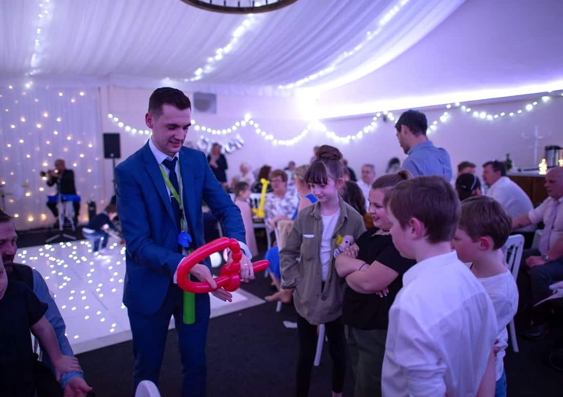 Kids Magician In Brackley
