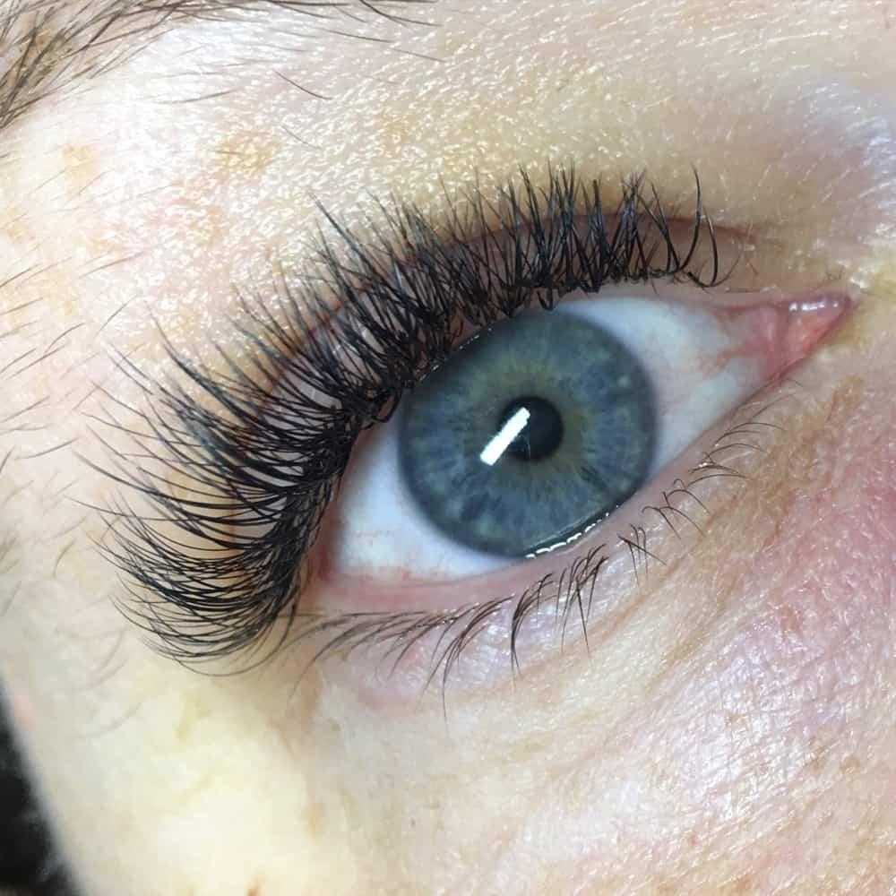 Eyelashes Extensions In Brackley