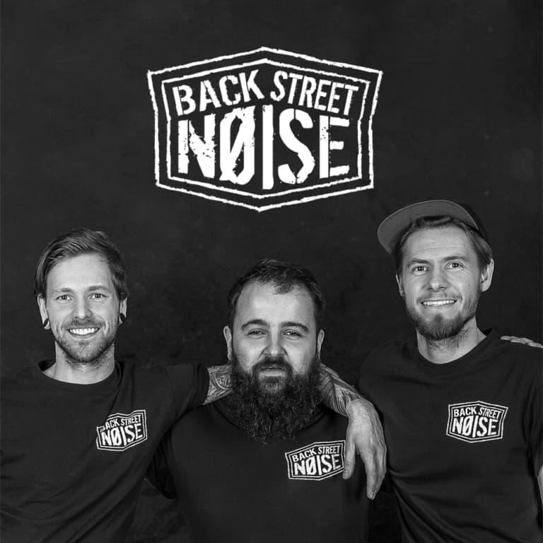 Backstreet Noise Band in Brackley